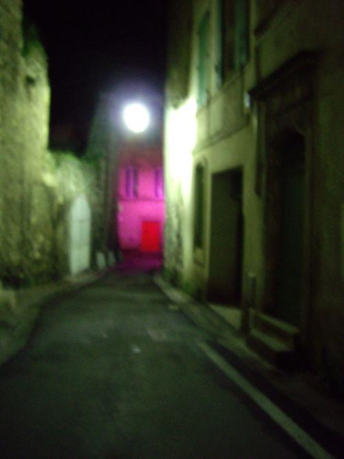 Arles_6_spooky